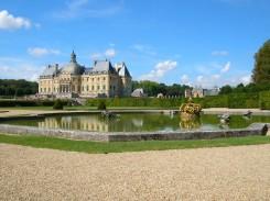 """Prancūzijoje: """"blusų medžioklė"""" ir vilos"""